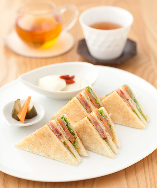 Salmon & Vegetable Clubhouse Sandwich Set